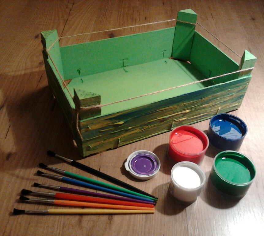 Taller infantil pinta tu caja de colores que hacer en for Caja de colores jardin infantil