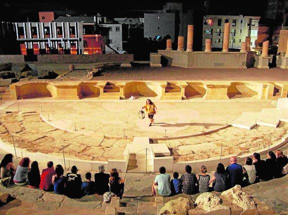 Visita nocturna al Museo del Teatro Romano - Que Hacer en Murcia