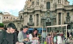 El talento emergente murciano llena de tendencias la Plaza del Romea